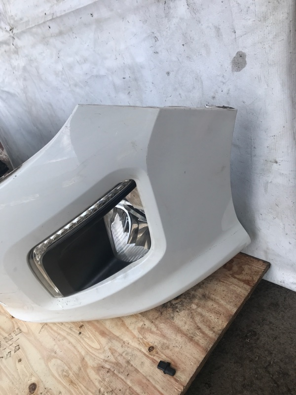 Бампер передний 308 2013 EP6DT