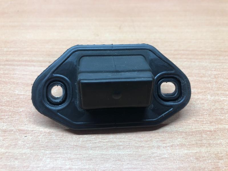 Кнопка открывания багажника Lexus IS220d (2) 2005 Седан 8494553010 контрактная