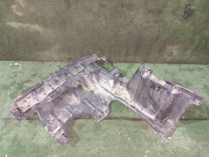 Защита ДВС передняя правая TOYOTA Isis ANM15 51441-44050 контрактная