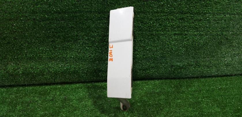 Планка под стоп-сигнал задняя правая TOYOTA Cami J100E 52565-87401 контрактная