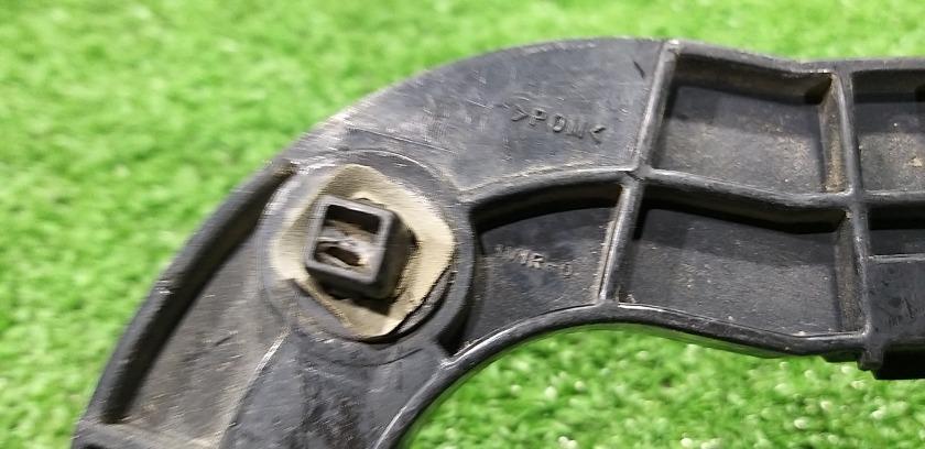 Крепления бампера задняя правая SUZUKI Escudo TD54W