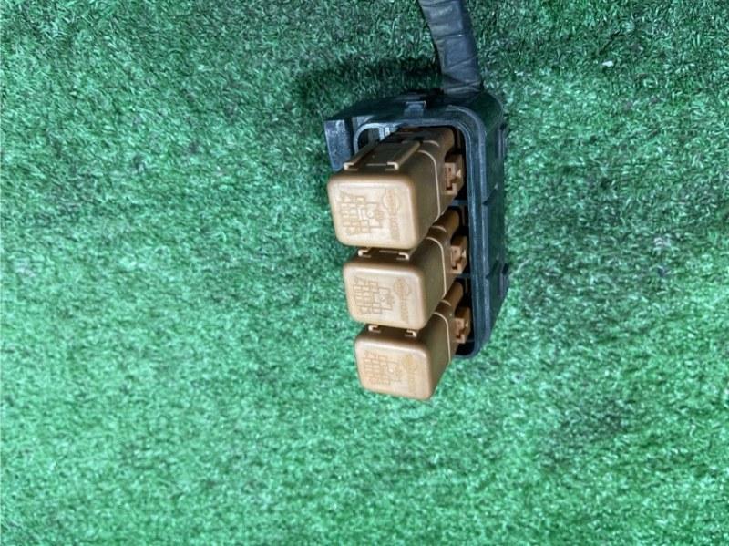 Блок предохранителей передний PRESAGE VNU30