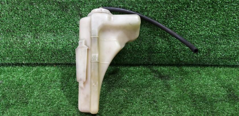 Бачок расширительный HONDA Orthia 1996 EL2 B20B 19101P7E000 контрактная