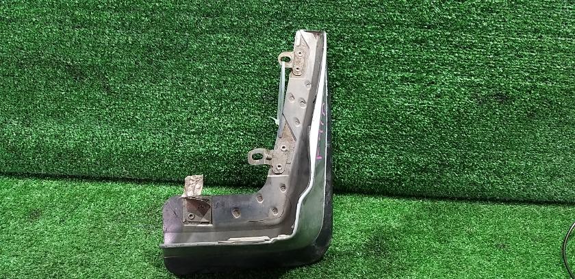 Брызговик задний правый MITSUBISHI Diamante F41A MZ5308804 контрактная