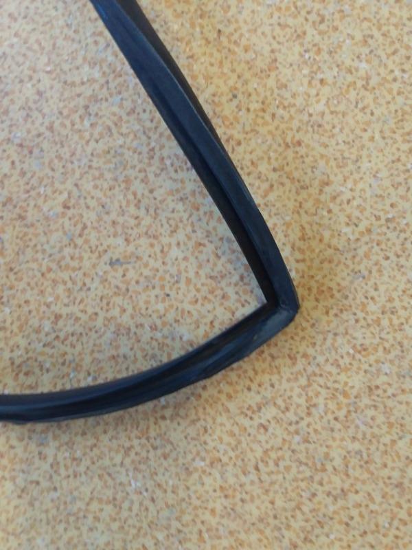 Молдинг лобового стекла передний Wish 2009 ZGE25 2ZRFAE
