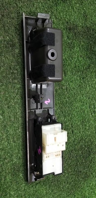 Пульт стеклоподъемника передний правый Elgrand ALWE50 VG33