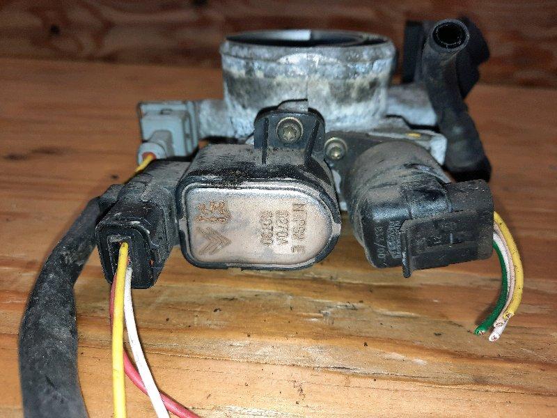 Дроссельная заслонка 206 2006 2C EW10J4
