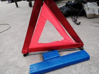 Знак аварийной остановки TOYOTA PRIUS 2011