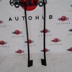 Молдинг лобового стекла правый HONDA CR-V 2007