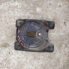 Крепление запасного колеса HONDA CR-V 2001