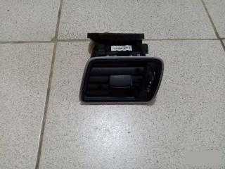 Дефлектор вентиляции салона левый VW Passat 2011-2015
