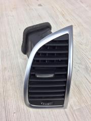 Дефлектор вентиляции салона передний правый Audi Q7 2006-2015