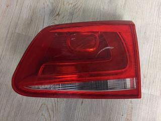 Фонарь в крышку багажника задний правый VW Touareg 2010-2014