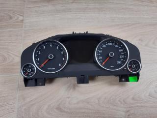 Щиток приборов VW Touareg 2010 - 2018