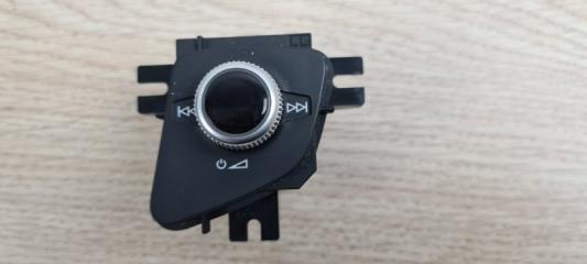 Кнопка регулировки громкости Audi Q7 2016