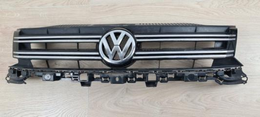 Решетка радиатора со значком передняя VW Tiguan 2011-2017