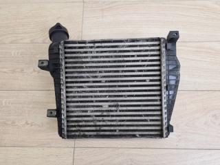 Интеркулер передний правый VW Touareg 2010-2018