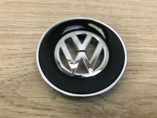 Запчасть эмблема в рулевое колесо VW Touareg 2010-2018