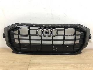 Решетка радиатора передняя Audi Q8 S-line 2019-