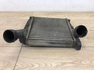 Интеркулер правый Audi Q7 2006-2015