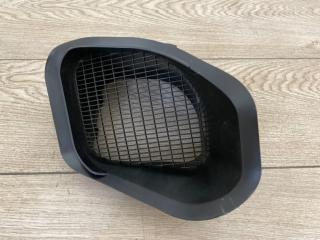 Воздухозаборник VW Touareg 2 2010-2018