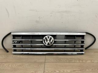 Решетка радиатора со значком VW Touareg 3 R-line 2018-