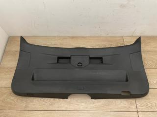 Обшивка двери багажника VW Touareg NF 2013