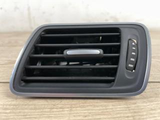 Дефлектор воздушный левый VW Passat B7 2011-2015