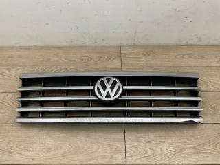 Решетка радиатора со значком VW Touareg 3 2018-