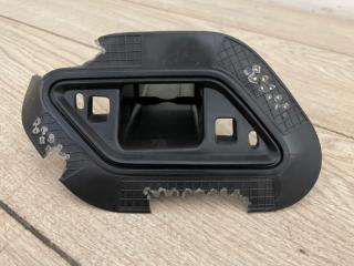 Кронштейн форсунки омывателя фар правый VW Touareg 3 2018-