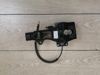 Кронштейн ручки двери задний левый Q7 2006-2015 4L