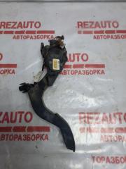 Запчасть педаль газа Volkswagen Passat 2001