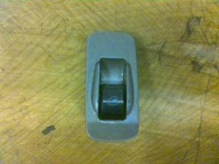 Запчасть кнопка стеклоподъемника передняя правая Chery Tiggo 2008