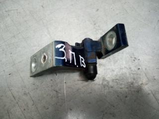 Запчасть петля двери задняя правая Skoda Octavia 2000-2011
