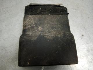 Запчасть кожух рулевой колонки Skoda Octavia 2000-2011