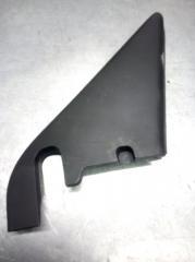 Запчасть накладка двери передняя правая Skoda Yeti 2009-
