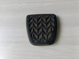 Запчасть накладка педали тормоза Toyota Avensis 2 2003-2008