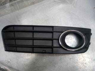 Запчасть решетка в бампер правая Audi A4 2007-2015