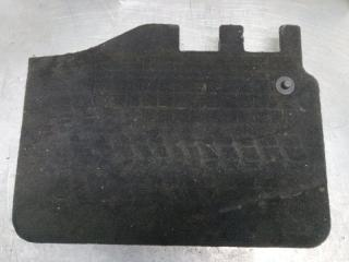 Запчасть кожух акб Audi Q7 2015-