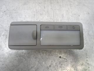 Запчасть плафон салонный задний левый Volkswagen Touareg 2005