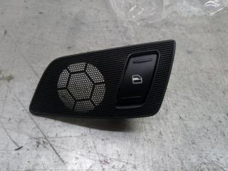 Запчасть кнопка стеклоподъемника задняя левая Skoda Yeti 2011