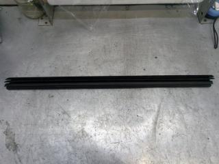 Запчасть накладка стекла задняя левая Skoda Yeti 2011