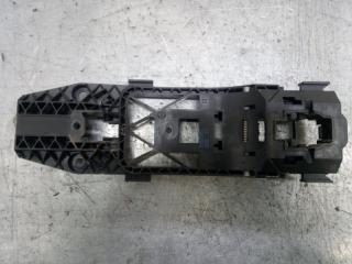 Запчасть кронштейн ручки передний левый Skoda Yeti 2011