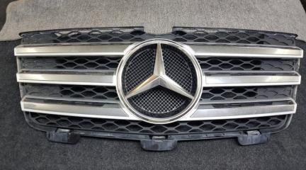 Запчасть решетка радиатора передняя Mercedes-Benz GL-Class 2008