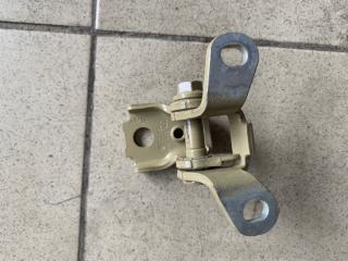 Запчасть петля двери задняя правая Skoda Fabia 2007