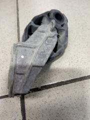 Запчасть кронштейн глушителя задний Audi A8 2012