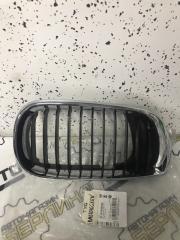 Запчасть решетка радиатора передняя правая BMW 3-серия