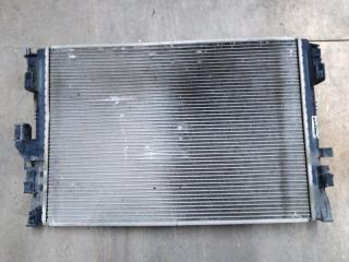Запчасть радиатор двс передний Renault Logan