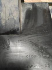 Запчасть пыльник переднего бампера Citroen Berlingo