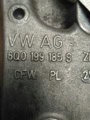 Кронштейн двигателя правый Skoda Fabia 2010-2014